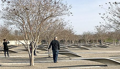 Jane Beckwith, l., and Mike Frey, r., at the Pentagon 9-11 Memorial.